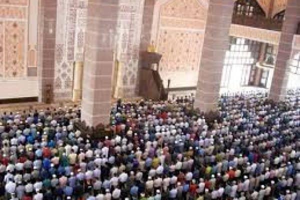 Adab Mengoreksi Bacaan Jahr Imam